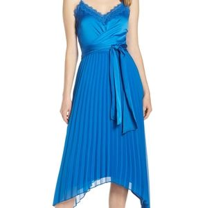 Harlyn pleated lace trim dress size small NWT